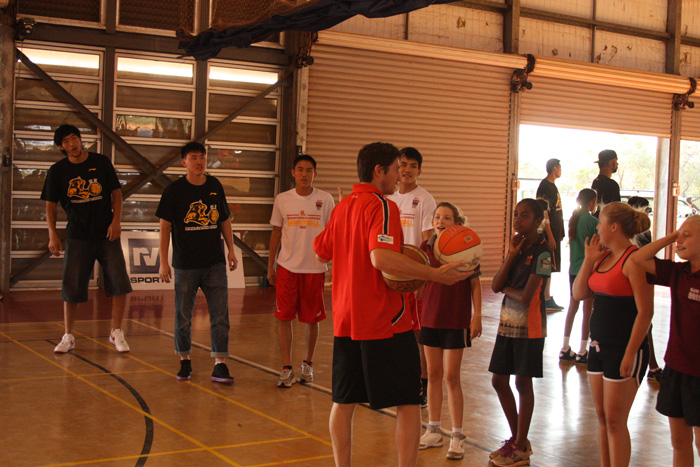 Slingers Players Wu Qingde and Han Bin Ng joined by players from the Zhejiang Guangsha Lions and Perth Wildcats