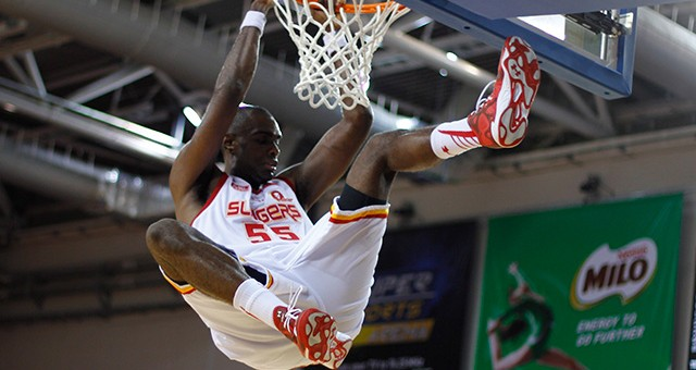 Slingers grab third win, hand Dragons first loss of the season 88-85