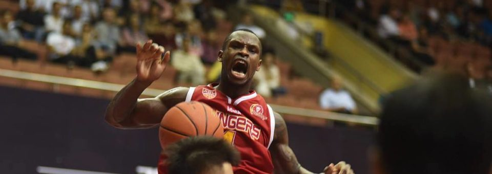 Slingers Fail to Fire on Opening Night