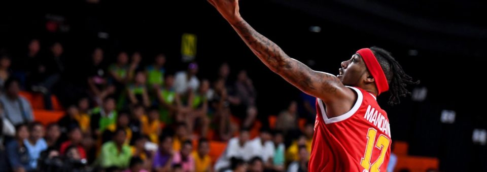Slingers crumble in 3rd period falling to the Mono Vampires in Bangkok 92-80