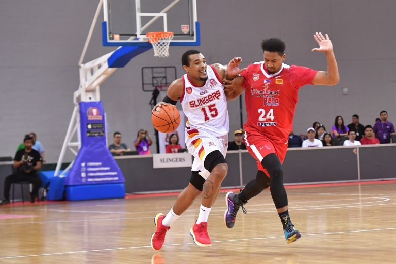 Alexander narrowly misses quadruple double to lead Slingers over Alab
