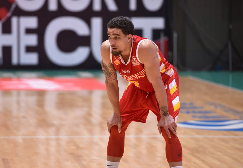 Slingers Erase 18-Point Deficit to Defeat Hong Kong Eastern on the Road